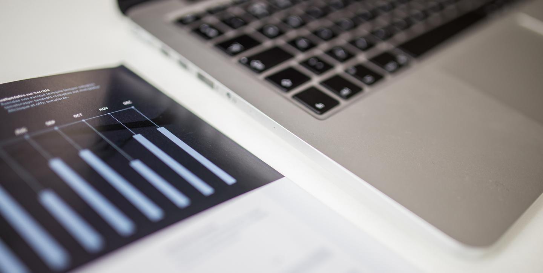 Banner blog business analyst laptop